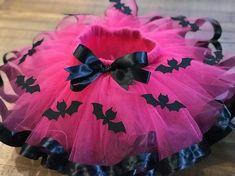 Batgirl/ vampirina Inspired Tutu by NandLTutus on Etsy 4th Birthday Parties, Girl Birthday, Tulle Material, Fantasias Halloween, Kids Party Themes, Ideas Party, Tutus For Girls, Kids Girls, Pink Tulle