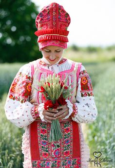 Slovak-folk-costumes: Heľpa village, Slovensko/SLOVAKIA World Of Color, In This World, Vietnam Costume, Heart Of Europe, Central Europe, Folk Costume, I Love Fashion, Traditional Dresses, Cute Kids