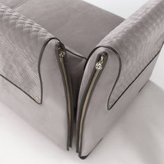 VITTORIA FRIGERIO • Luxury details • Visible stitching and gold zips make for a style that is classic, elegance and refined. #vittoriafrigerio #design #interior #traditional #luxury Discover more on: http://www.vittoriafrigerio.it/product/Clivio/49?lingua=en
