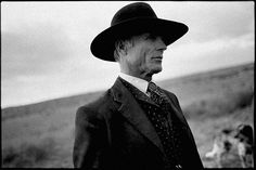 Ed Harris on the set of Appaloosa, by Mary Ellen Mark (found on the site every day i show)