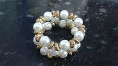 Porta - guardanapos com pérolas Napkin Rings, Craft Projects, Pearl Necklace, Napkins, Beaded Bracelets, Crafts, Jewelry, Copper, Beaded Wrap Bracelets