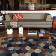 @acfarquitetura   Escolhendo tapetes @bykamy para estes clientes especiais!!! Este ficou lindo não??!!