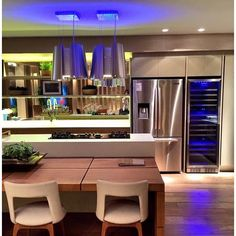 #mulpix Quem resiste a sofisticação do Refrigerador French Door da Elettromec?  Espaçoso e cheio de tecnologias, esse modelo é perfeito para cozinhas modernas e funcionais que não abrem mão de um belo design.  #refrigerador  #tecnologia  #praticidade  #baixoconsumo  #eficiencia  #exclusividade  #cozinha  #cozinhagourmet  #gourmet  #apartamento  #casa  #decor  #designerdeinteriores  #design  #arquiteto  #arquitetura  #luxo  #teresina  #piaui  #ceara  #fortaleza  #architecture