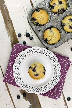 Paleo Blueberry Muffins (with optional crumb topping) - PaleoCupboard.com