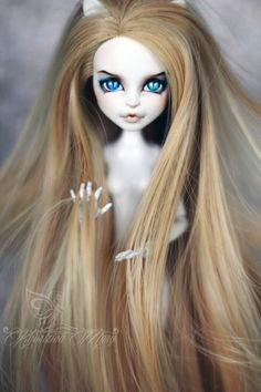 Catrine Demew monster high by Mariya Khorizina Custom Monster High Dolls, Monster Dolls, Monster High Repaint, Custom Dolls, Doll Eyes, Doll Face, Ooak Dolls, Blythe Dolls, Barbie