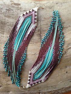 Beaded Earrings Native, Beaded Earrings Patterns, Beaded Jewelry Designs, Bead Jewellery, Seed Bead Earrings, Boho Earrings, Jewelry Ideas, Diy Jewelry, Beaded Necklaces