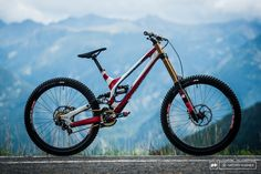 Gwin amp Brosnan World Champs bikes 2015