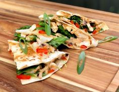These Satay Chicken Quesadillas are a fantastic lunch or dinner option that is fast and PACKED with flavour. Healthy Mummy Recipes, Healthy Snacks, Healthy Eating, Chicken Satay, Easy Eat, Midweek Meals, Chicken Quesadillas, Nutrition, Eating Plans