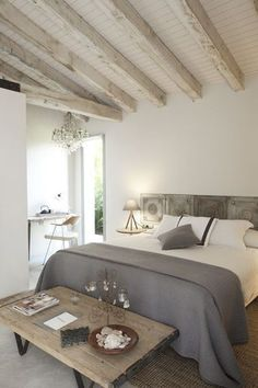 It is one example of a modern decor to your home design project. Home Bedroom, Master Bedroom, Bedroom Decor, Costal Bedroom, Bedroom Ideas, Style At Home, New Interior Design, Beautiful Bedrooms, Home Fashion