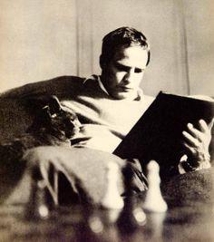 Marlon Brando C.1958. Most Handsome Men, Handsome Actors, Jean Simmons, Acting Tips, Human Soul, Marlon Brando, Cat People, Wild Ones, Looks Cool