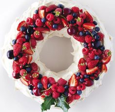 Christmas Edible Pavlova Wreath!