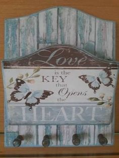 porta cartas e chaves em mdf - Pesquisa Google Shabby Chic Art, Shabby Vintage, Wood Crafts, Diy And Crafts, Paper Crafts, Kitchen Canvas Art, Primitive Wood Signs, Wooden Signs With Sayings, Decoupage Art