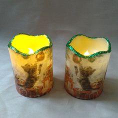 """Diese handelsüblichen LED-Kerzen mit Timer, wurden mittels Serviettentechnik und Glitter verziert. Für den Betrieb sind je 2 Stk. """"AAA 1,5 V"""" Batterien erforderlich. Candle Holders, Candles, Christmas, Deco, Porta Velas, Candy, Candle Sticks, Candlesticks, Candle"""
