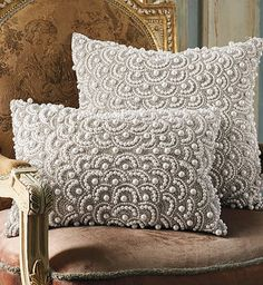 Eye-catching showpiece for a sofa, chair, or bed.