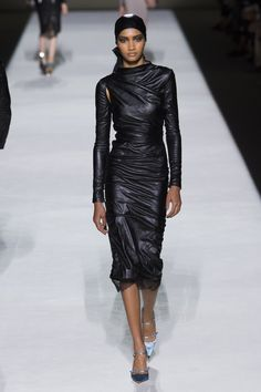 9e05339c66d Tom Ford Spring 2019 Ready-to-Wear Fashion Show Collection  See the complete