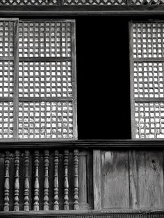 Capiz window in an ancestral home philippine architecture, filipino architecture, house windows, old Filipino Architecture, Philippine Architecture, Philippines Culture, Manila Philippines, Old Windows, House Windows, Filipino Interior Design, Filipino House, Chinese Door
