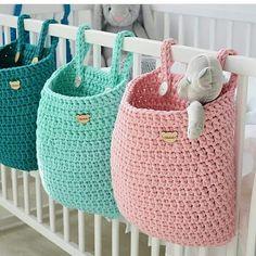 What a great idea Regrann Pracownia Shekoku fiveemalha croche cro - Crochet Storage, Crochet Toys, Knit Crochet, Crochet Basket Pattern, Crochet Patterns, Wall Hanging Storage, Hanging Baskets, Crochet Home Decor, Modern Boho