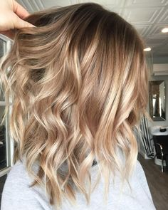 Golden Blonde Balayage for Straight Hair - Honey Blonde Hair Inspiration - The Trending Hairstyle Ombre Hair, Hair Color Balayage, Hair Highlights, Balayage Hair Honey, Chunky Highlights, Caramel Highlights, Color Highlights, Haircolor, Honey Blonde Hair