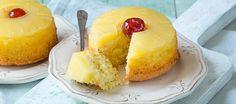 Deze éénpersoons ananas upside down cakejes bak je op zijn kop en zijn super leuk om uit te delen
