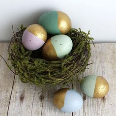 Gold-Dipped Easter Eggs -- Give faux Easter eggs the Midas touch with Americana Acrylics. #decoartprojects #easter @michaelsstores