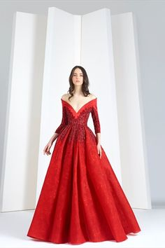 Tony Ward RTW I Scarlet red off-the-shoulders dress in lace and satin duchesse. Tony Ward, Red Fashion, Fashion Dresses, Lolita Fashion, Fashion Photography Inspiration, Fairy Dress, Designer Gowns, Beautiful Gowns, Pretty Dresses