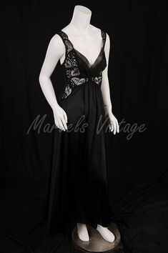 Olga Nightgown Negligee Rare Style 92060 Black Lace Bodice Vintage Wear 1b433de1a