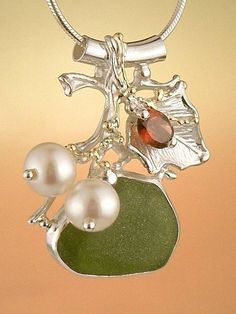 Pendant 9583, fine craft, Gregory Pyra Piro handmade pendant, in solid gold and sterling silver, seaglass, garnet, pearls
