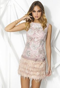 Cocktail dresses and celebration dresses in Cabotine. Find the best short and long dresses or formal events (such as wedding-guest dresses). Pretty Outfits, Pretty Dresses, Beautiful Dresses, V Dress, Party Dress, Dresses For Formal Events, Short Dresses, Girls Dresses, Feather Dress