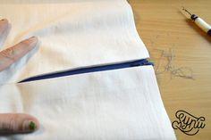 Hvordan du syer en usynlig lynlås Tie Clip, Sewing, Womens Fashion, Accessories, Tips, Bra, Creative, Couture, Advice