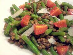 Linsensalat mit Brechbohnen und Tomaten #Rezept