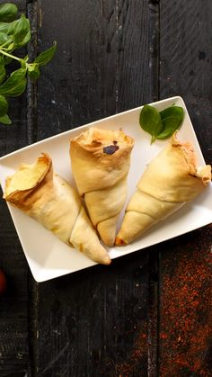 Want an original pizza? Try this cone-shaped recipe! Pinner Pizza cône Image Size 736 x 1308 Board N Soup Appetizers, Appetizer Recipes, Snack Recipes, Cooking Recipes, South Indian Snacks Recipes, Pizza Cones, Good Food, Yummy Food, Desert Recipes