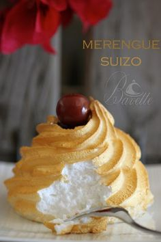 Merengue suizo Mexican Food Recipes, Sweet Recipes, Dessert Recipes, Pavlova, Delicious Desserts, Yummy Food, Snacks Für Party, Pastry Cake, Mini Cakes