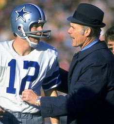 Dallas Cowboys Quarterback and Coach - Roger Staubach and Tom Landry. When the Cowboys were really the Dallas Cowboys and not the Arkansaw Cowboys aka: before Jerry (know-it-all) Jones Super Bowl, Nfl Coaches, Tom Landry, Dallas Cowboys Football, Football Players, Cowboys Players, Baseball Park, Football Memes, Skinny
