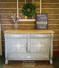The Olde Farmhouse on Windmill Hill: MMS Inspired Hand-painted Empire Buffet~Trash to Treasure