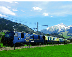 The Golden Pass Classic with its Belle Epoque coaches. Myswitzerland.com