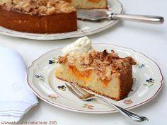 Aprikosenkuchen mit Amarettini-Mandelkruste Anschnitt 07.16 sehr gut