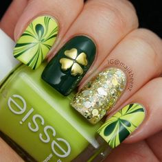Nails / Nailart - St. Patrick's Day watermarble mani with heart stud four leaf clover.--- Instagram @majikbeenz