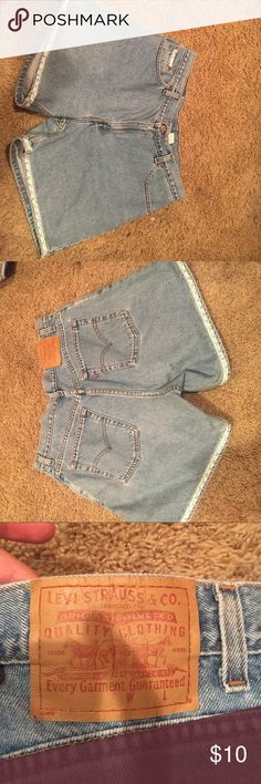 Vintage Levi jean shorts Adorable jean shorts with floral accents Levi's Shorts Jean Shorts