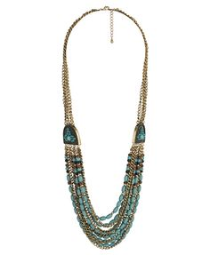 Love the vintage feel of this statement necklace.