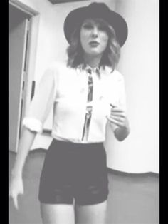 Taylor backstage at #redshanghai