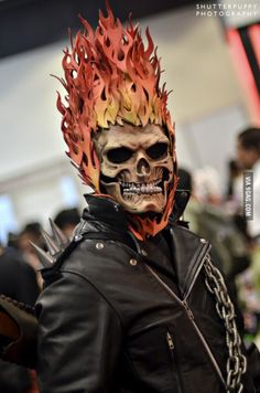 "Enough with these ""show boobs"" cosplays. Here's some serious cosplaying Minions Star Wars, Ghost Rider Costume, Ghost Rider Movie, Awesome Costumes, Awesome Cosplay, Epic Cosplay, Cosplay Anime, Cosplay Ideas, Costume Ideas"