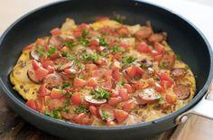 Lekkere Spaanse omelet met chorizo. Een heerlijk Paleo proof ontbijt. Voor meer Paleo recepten bekijk onze website.