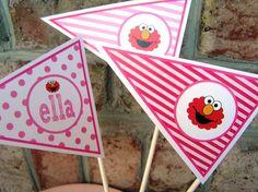 Elmo centerpiece Elmo Birthday, Boy Birthday Parties, Girl Birthday, Birthday Ideas, Elmo Centerpieces, Theme Ideas, Party Ideas, Elmo Party, Grand Kids