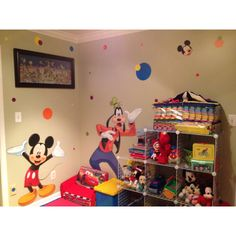 This is an idea if i still wanted to do a Disney themed playroom