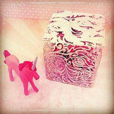 Cube magique. #paperart #diy #paper #papercraft #cut #papercut #papercuttingart #papercutting #unicorn #bird #flowers