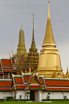 Short on Time? Here Are the Top 5 Temples to Visit in Bangkok | A Day in the Life of A Simple Girl | www.welcometoerinsworld.com