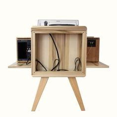 15 Stylish Speaker Stands Ideas for Modern Designs – My Life Spot Record Player Table, Record Table, Record Shelf, Diy Vinyl Storage, Vinyl Record Storage, Turntable Setup, Vinyl Turntable, Handyman Projects, Stereo Cabinet