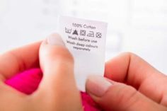 Simboli lavaggio: significato delle icone Transfer Paper, Heat Transfer, Laundry Labels, Like Symbol, Laundry Symbols, Symbols And Meanings, How To Iron Clothes, Textiles, Clothing Labels