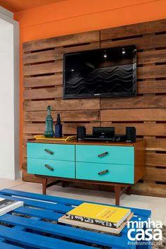 painel para tv e mesa de café  de pallets