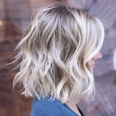 It's true, you can observe that balayage works pretty nicely with all hair lengths. Still another website to explain to you how balayage is finished. Medium Hair Styles, Short Hair Styles, Medium Shag Haircuts, Bob Haircuts, Medium Wavy Hairstyles, Layered Hairstyles, Haircut For Thick Hair, Thin Hair, Messy Hairstyles